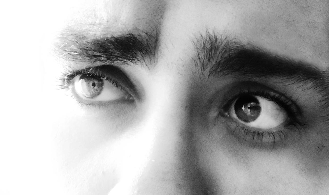 eyes-sad-cry-fear-face-eyebrow-1589003-pxhere.com (3)